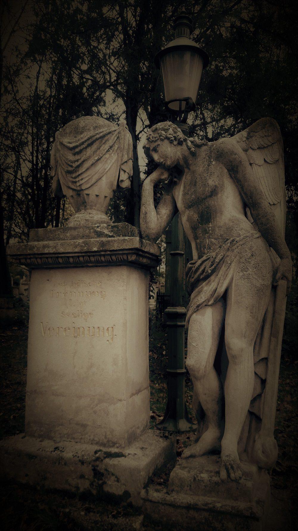 Nachtführung am Wiener Friedhof zu St. Marx