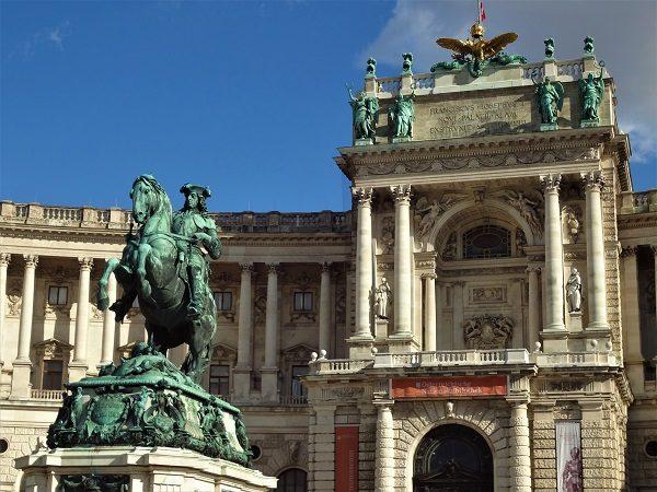 Überblicksführung Wien Neue Burg Heldenplatz