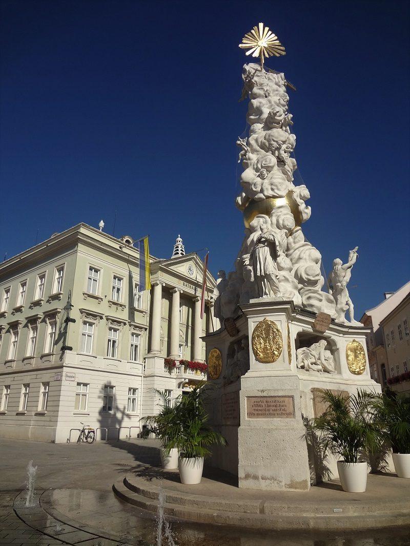 Tagesfahrt Wienerwald Baden bei Wien Pestsäule Rathaus