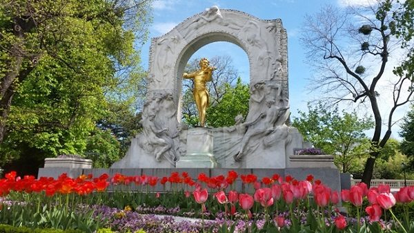 Tagesausflug Reisegruppe Wien Johann Strauß Denkmal