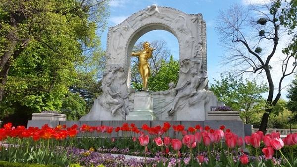 Wien Johann Strauß Denkmal