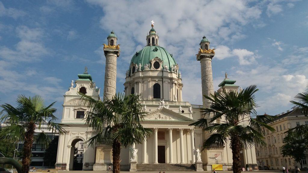 Wiener Karlskirche Sommer